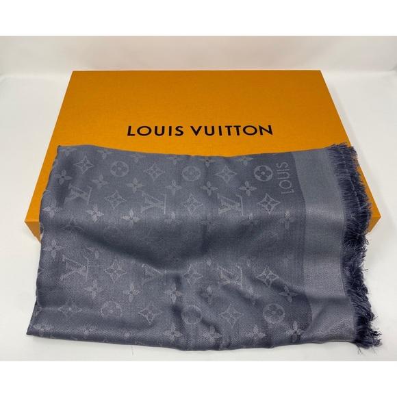 Louis Vuitton monogram shine shawl M75120